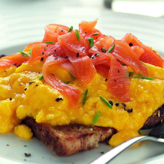 and smoked scrambled eggs with smoked smoked salmon scrambled egg with ...